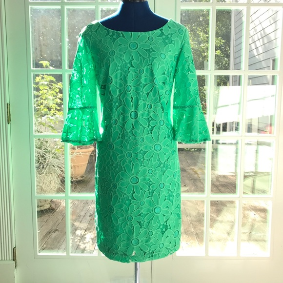 Sandra Darren Dresses & Skirts - Lace Sandra Darren Dress in Kelly Green